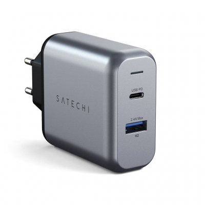 Satechi 30W Travel Charger with USB-C and USB-A outlet