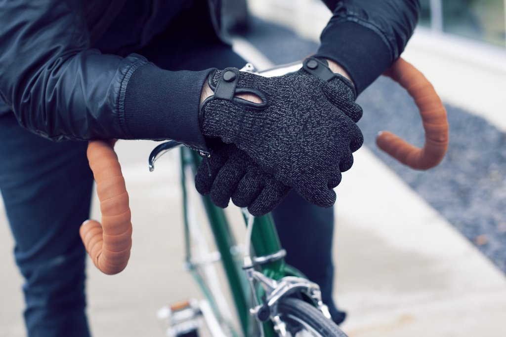 Mujjo Double-Layered Touchscreen Gloves - Extra warm touch gloves ... 82657a9fe38